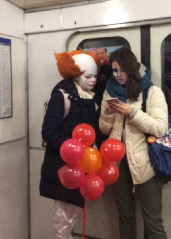 weird-russian-subway-fashion (34)