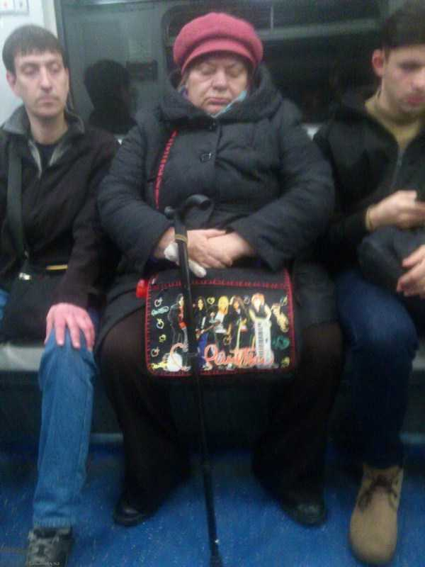 weird-russian-subway-fashion (5)