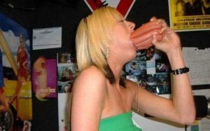 women-putting-stuff-mouth (20)