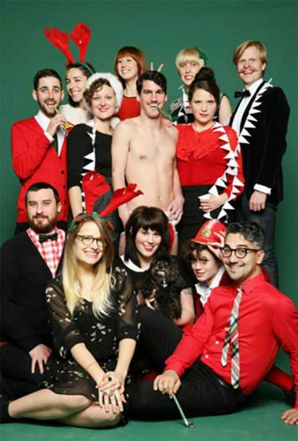 awkward-christmas-familiy-photos (20)