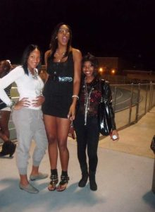 extremely-tall-girls (11)