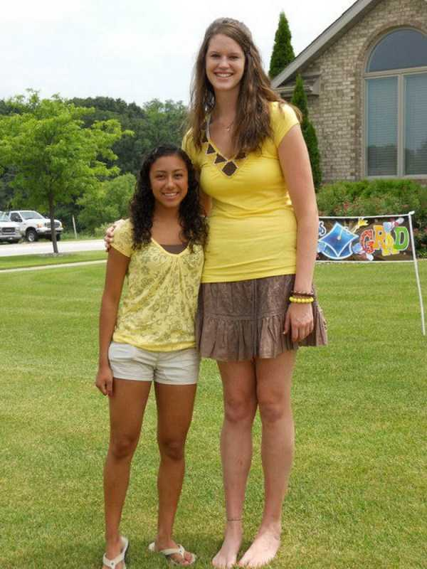extremely-tall-girls (30)