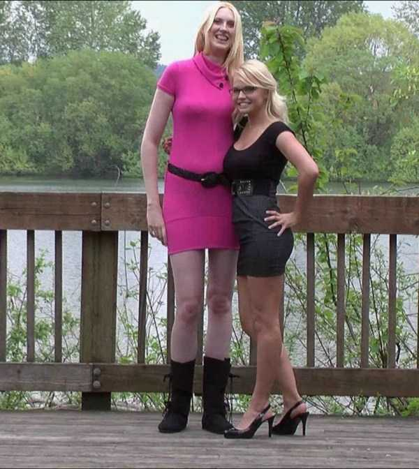 extremely-tall-girls (39)