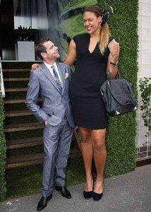 extremely-tall-girls (43)