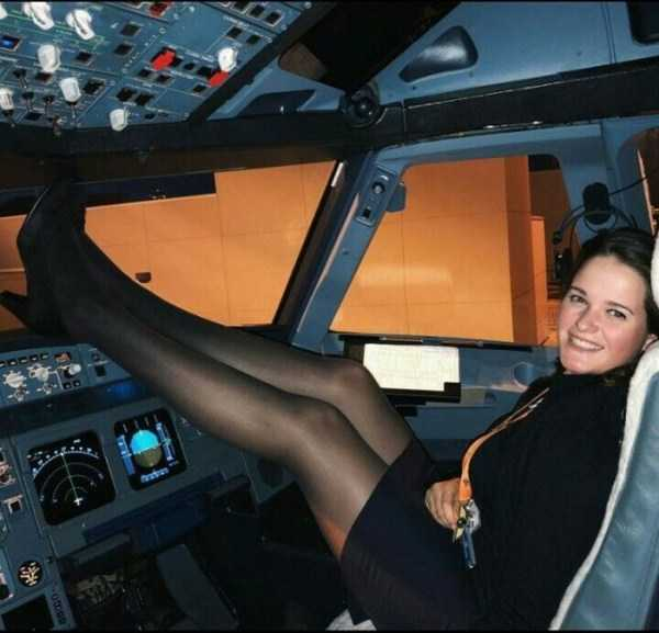 plane-girls (14)