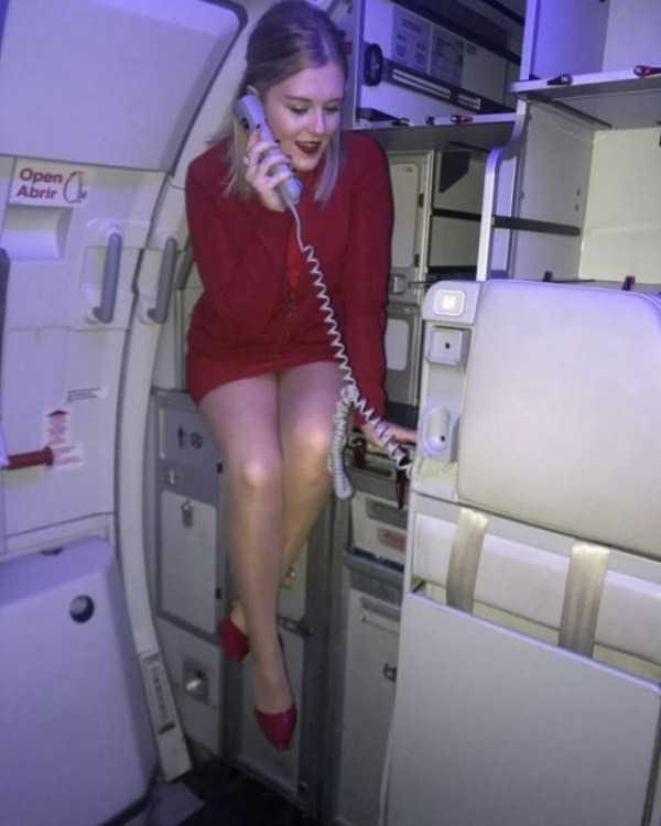plane-girls (4)