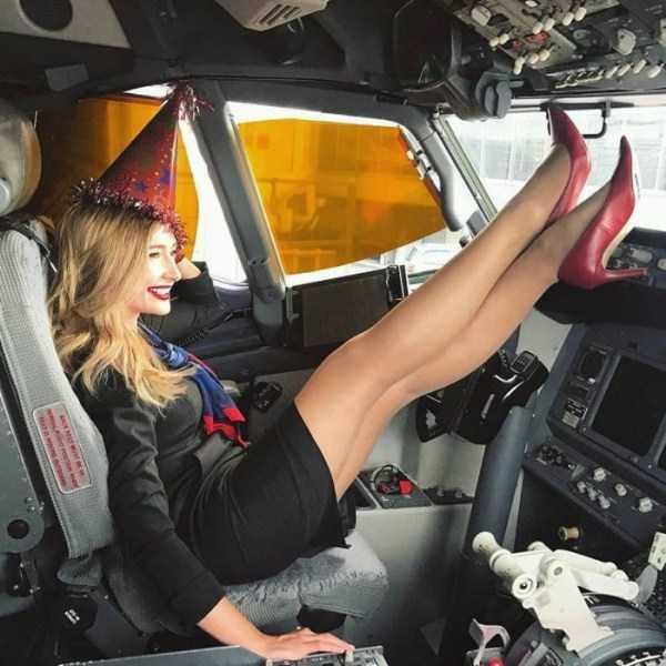 plane-girls (6)