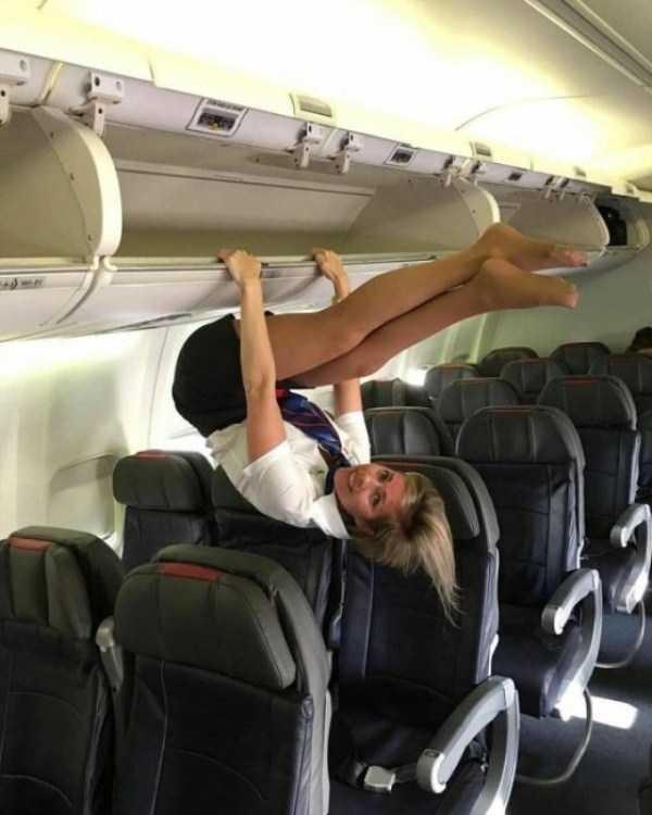 plane-girls (9)