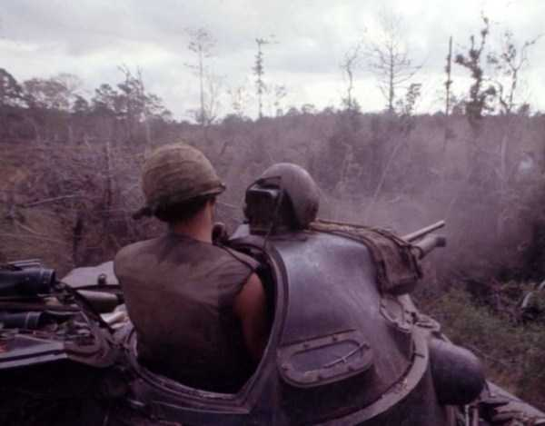 vietnam-war-color-pictures (36)
