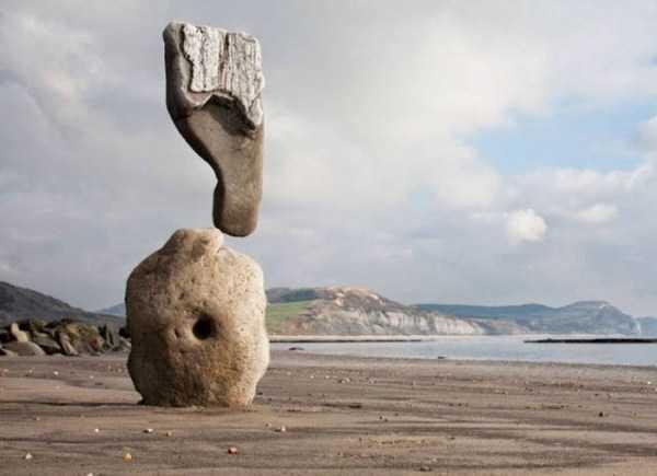 sculptures-defy-gravity (12)