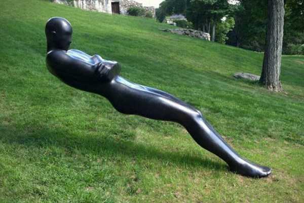 sculptures-defy-gravity (13)