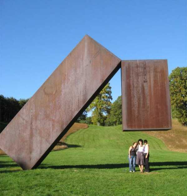sculptures-defy-gravity (14)