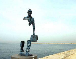 sculptures-defy-gravity (7)