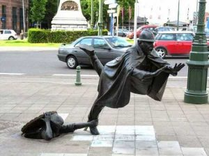 sculptures-defy-gravity (9)
