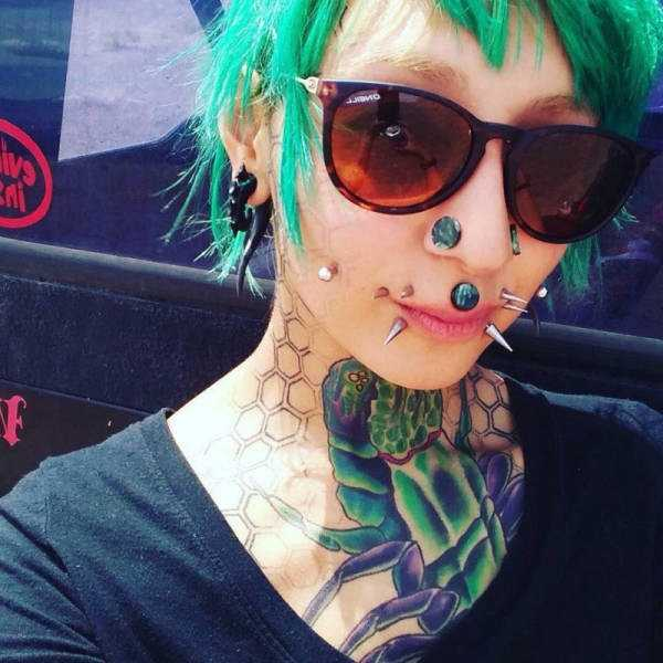 creepy-tattoos-body-mods (11)