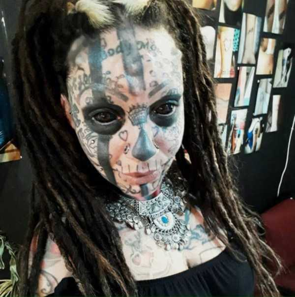 creepy-tattoos-body-mods (25)