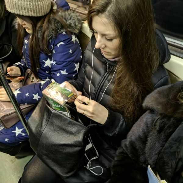 russian-metro-weirdos (35)