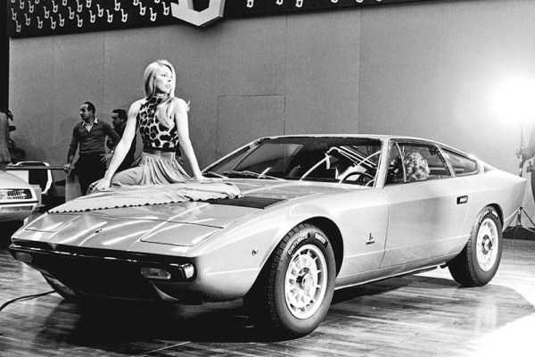 retro-girls-cars-pictures (15)
