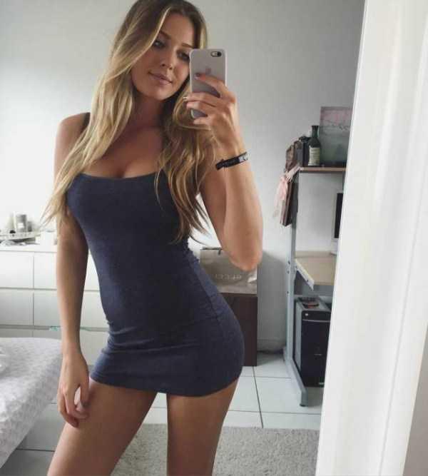 girls-in-tight-dresses (11)
