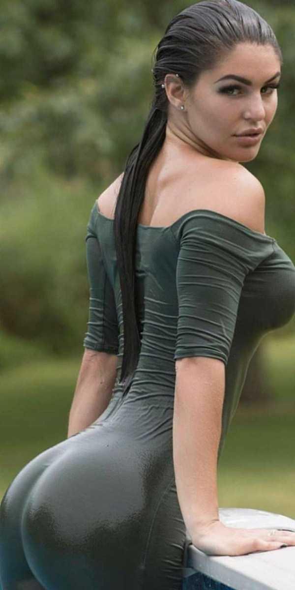 girls-in-tight-dresses (20)