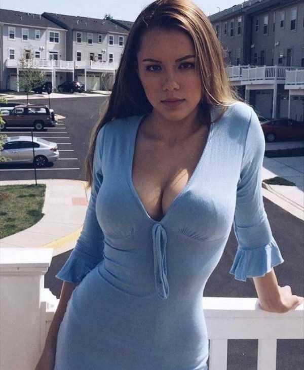 girls-in-tight-dresses (27)