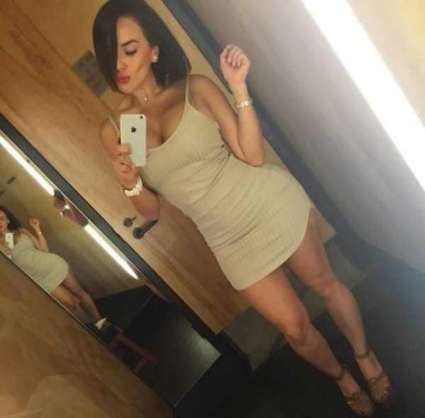 girls-in-tight-dresses (3)