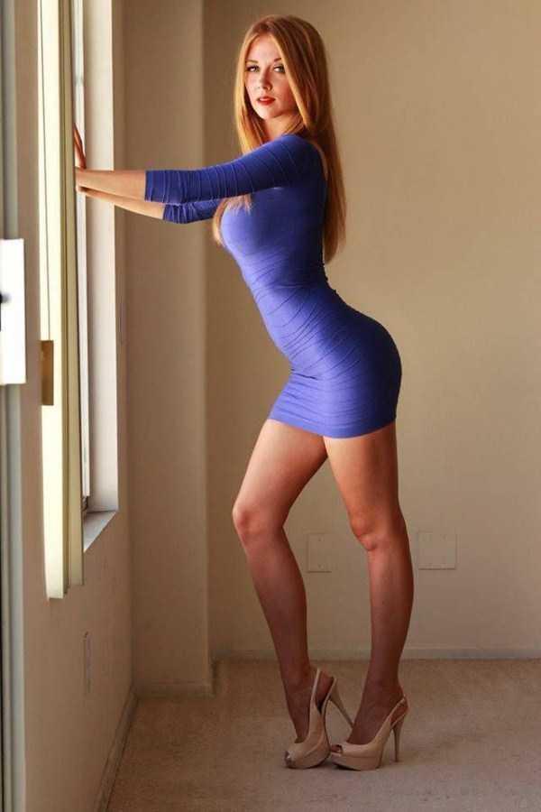 girls-in-tight-dresses (35)