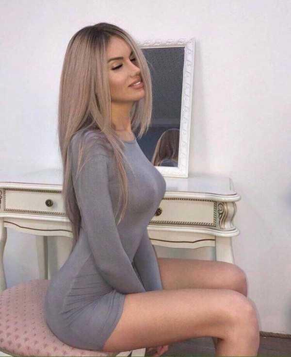 girls-in-tight-dresses (46)