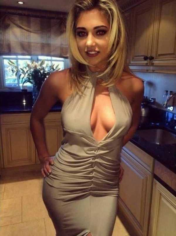 girls-in-tight-dresses (54)