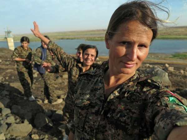 kurdish-women-fighters (24)