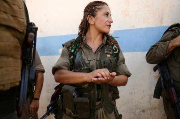 kurdish-women-fighters (26)