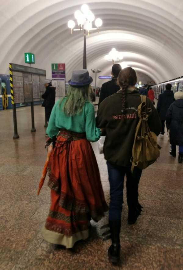 russian-subway-weirdos (18)