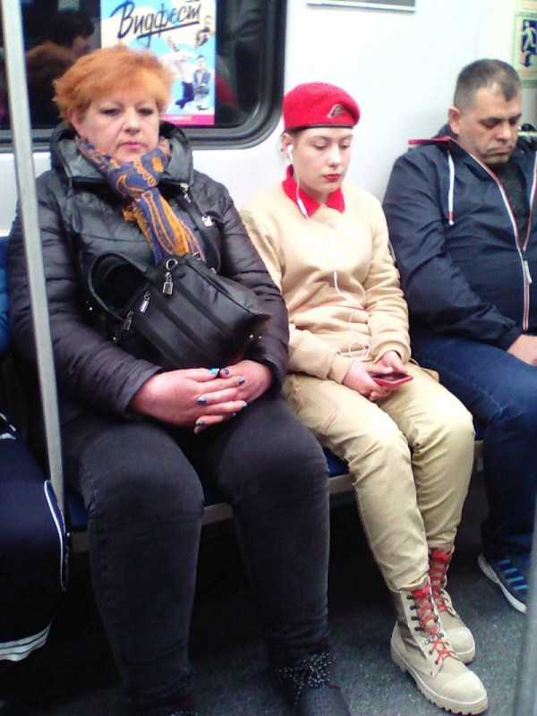 russian-subway-weirdos (23)