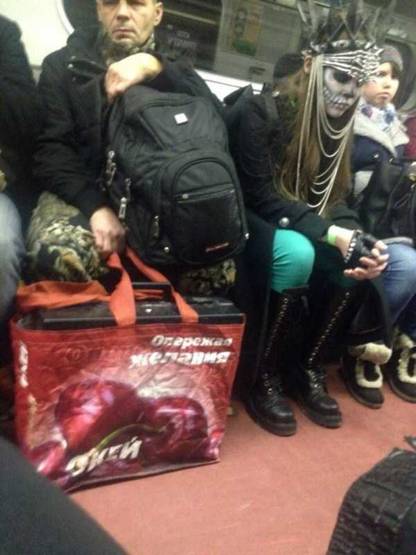 russian-subway-weirdos (25)