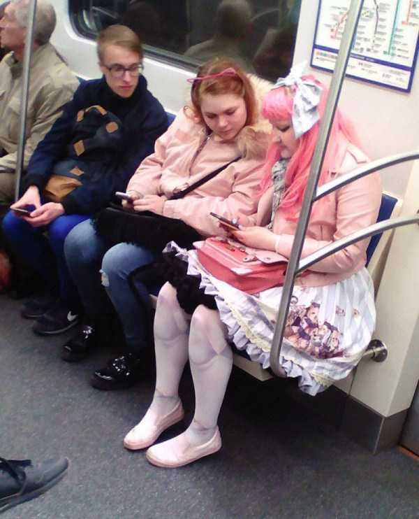 russian-subway-weirdos (26)