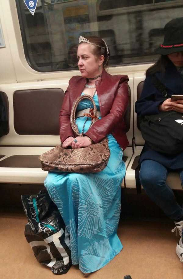 russian-subway-weirdos (27)