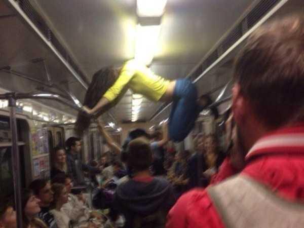 commuters-girls (10)