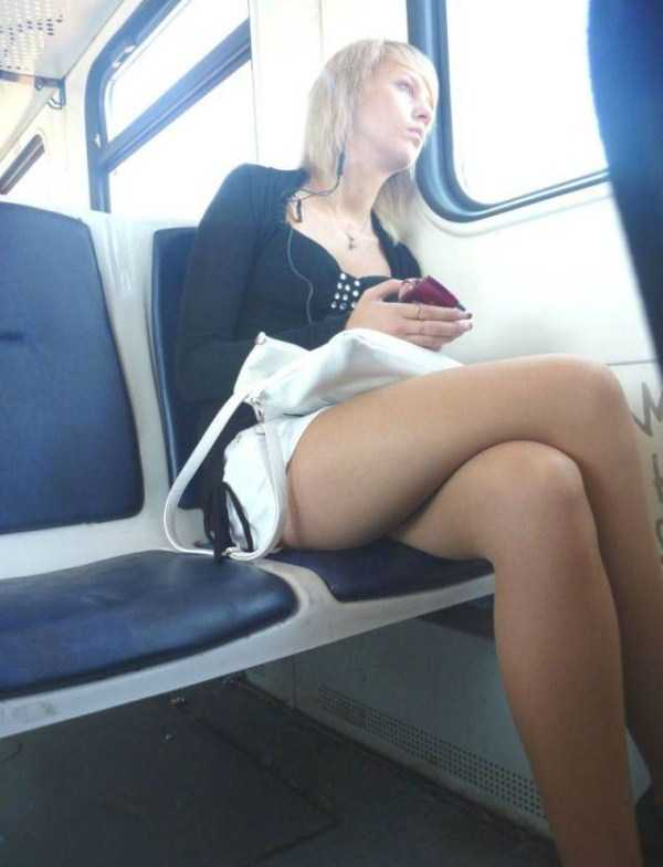 commuters-girls (41)