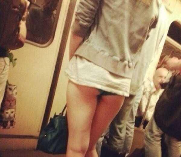 commuters-girls (6)