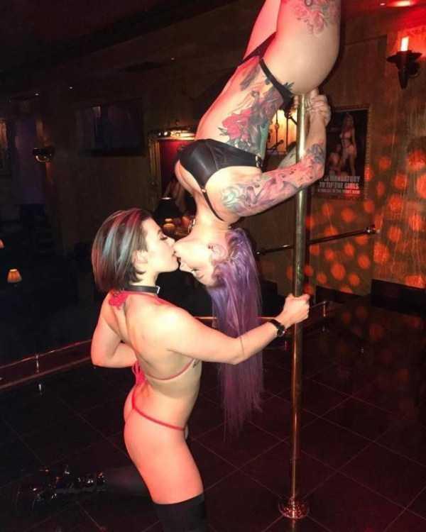 funny-hot-girls (41)