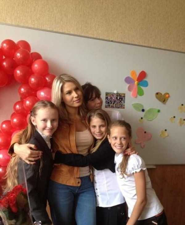 hot-russian-female-teachers (12)