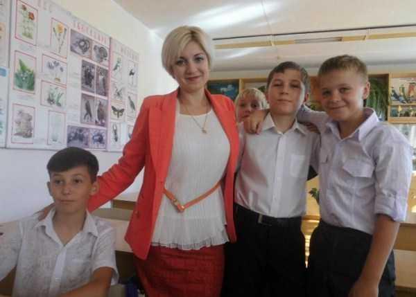 hot-russian-female-teachers (6)