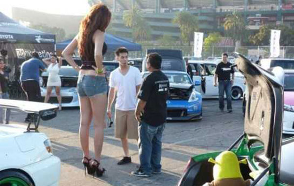 really-tall-girls-(26)