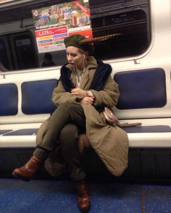 strange-subway-fashion (12)