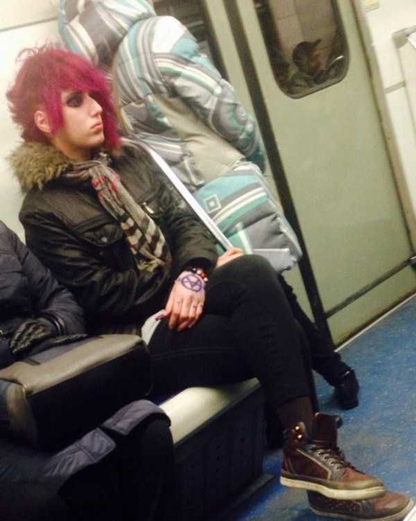 strange-subway-fashion (15)