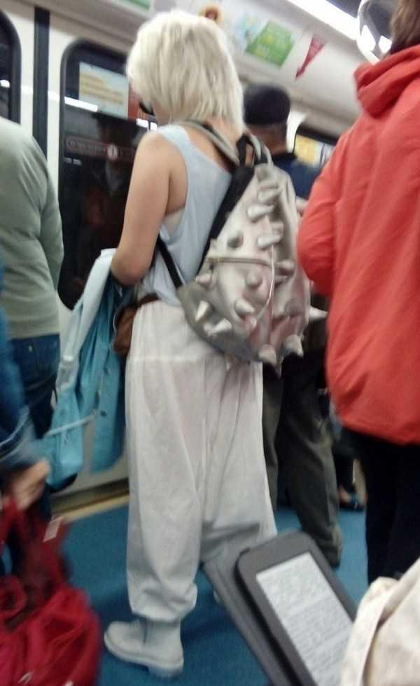 strange-subway-fashion (33)
