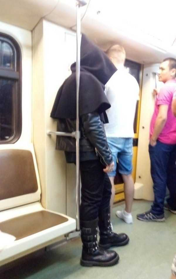 weird-metro-fashion (25)