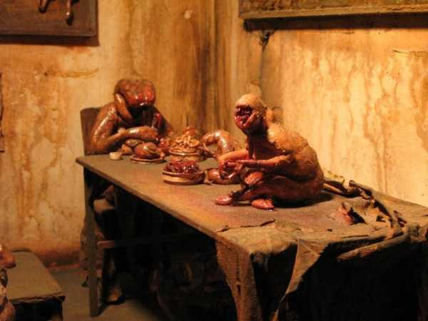 Mark-Powell-scary-dioramas (2)