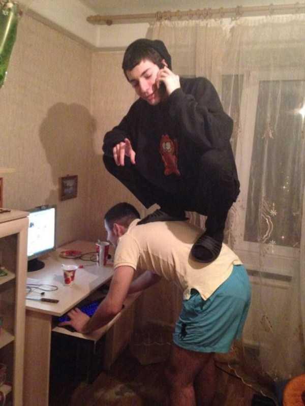 russians-squatting (10)
