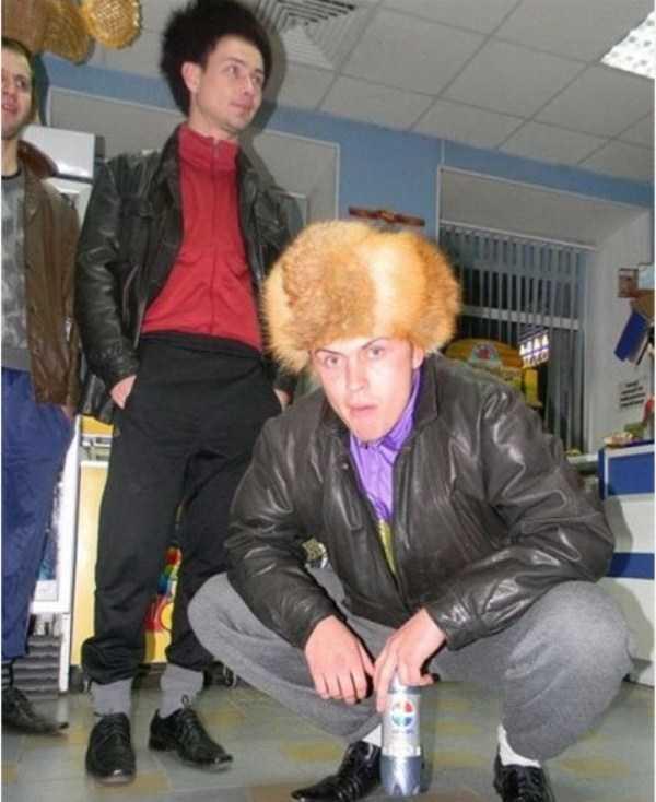 russians-squatting (13)